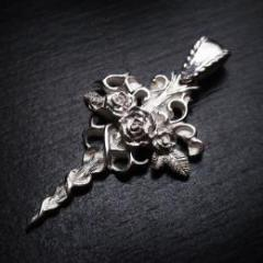 Unembellished roses pendant -silver925-